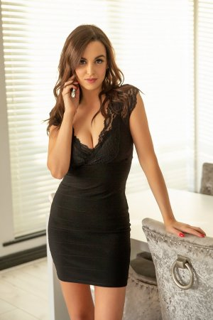 Sheyene erotic massage in Essex