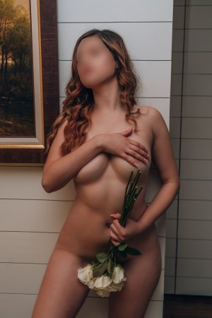Cicilia happy ending massage in Brent Florida