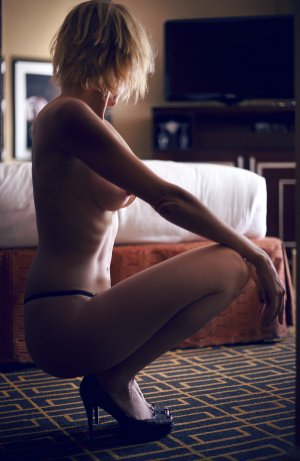 Anne-laure tantra massage in Fresno